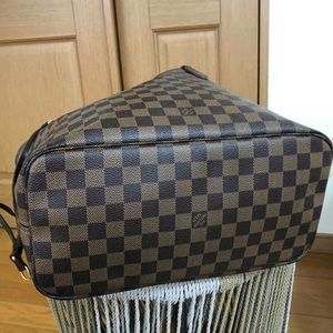 Louis Vuitton Bags - LOUIS VUITTON NEVERFULL MM IN DAMIER EBENE VGUC